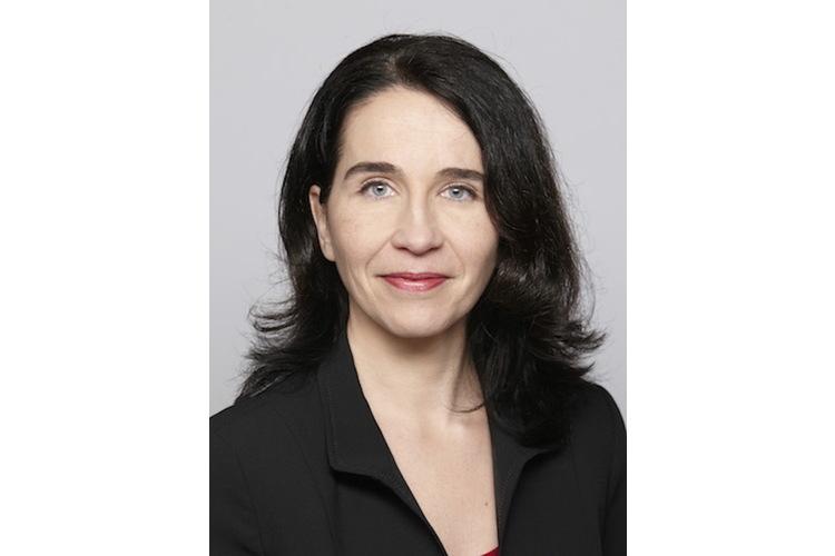 Sarah Zanoni ist pädagogische Psychologin lic. phil. und leitet die Praxis «JugendCoaching Sarah Zanoni & Team» in Aarau. Die zweifache Mutter ist auch Projektleiterin und Lehrperson für «Lernen lernen» und Buchautorin. Sie lebt mit ihrer Familie in Aarau. www.jugendcoaching.ch