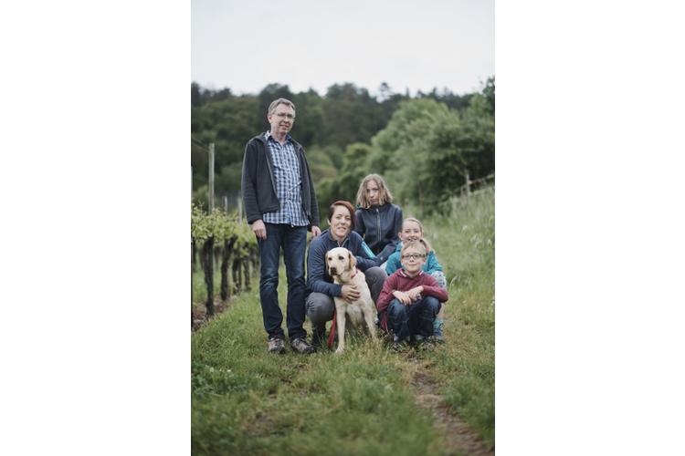 Ramona und Thomas Keller mit den Kindern Noelle, Selina und Louis.