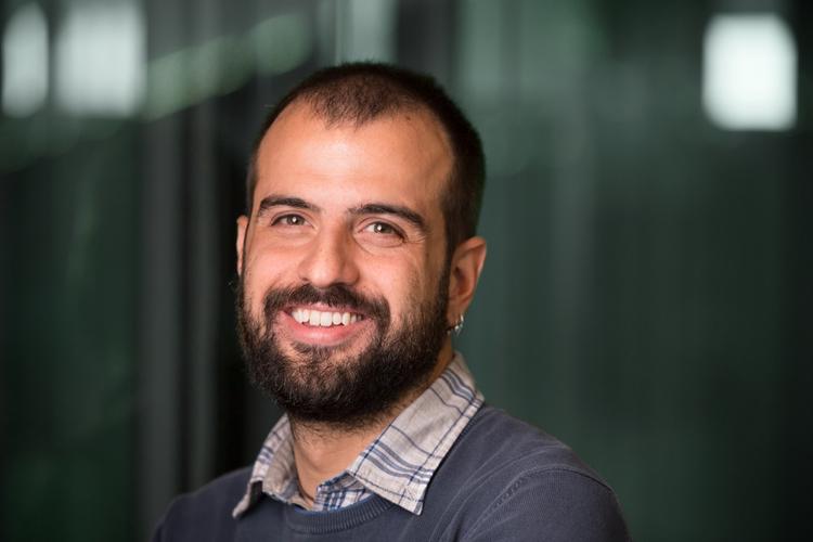 Giuseppe Sorrenti ist Wirtschaftswissenschaftler im Department of Economics und am Jacobs Center for Productive Youth Development an der Universität Zürich. Im Januar 2020 wechselt er als Assistant Professor für Mikroökonomie an die Amsterdam School of Economics der Universität Amsterdam. Seine Forschungsschwerpunkte sind Kinderentwicklung und Humankapitalbildung.