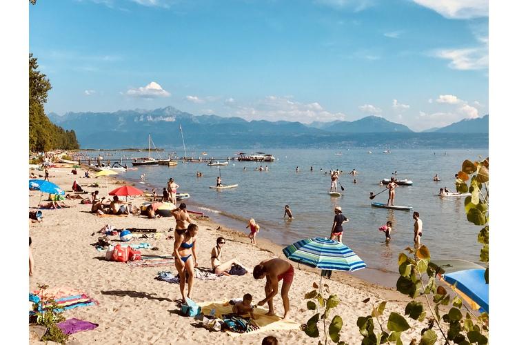1/4 Man wähnt sich am Meer: Sandstrand in Préverenges