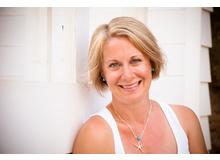 Ulrike Légé ist freie Autorin und wohnt mit ihrer 5-köpfigen Familie in Therwil (BL).