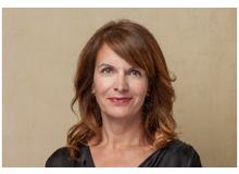 Claudia Landolt ist leitende Autorin beim Elternmagazin Fritz + Fränzi und verantworte die Kindergartenreihe. Sie ist verheiratet, Mutter von vier herrlichen Söhnen zwischen sieben und fast fünfzehn Jahren und Hundemama eines Labradoodles.