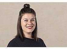 Hanna Lauer ist Onlineredaktorin beim Fritz+Fränzi. Den grünen Daumen hat sie vor ein paar Jahren entdeckt. Seit da ist ihr Balkon grüner und die Pflanzen und Kräuter ihre Kinder.