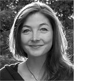 Sarah King, Dr. phil. Linguistik und MSc Psychologie, arbeitet in einer psychiatrisch-psychotherapeutischen Praxis in Bern und als freie Autorin. In den Interviews mit den Kindern begegnete sie so viel Fantasie und Einfallsreichtum, die aus der Angst hervorgingen, dass sie plötzlich dankbar wurde für ihre eigenen Ängste, die sie hatte und immer noch hat.