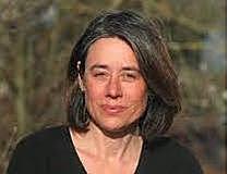 Annette Cina, 49, arbeitet am Institut für Familienforschung und -beratung der Universität Fribourg. Die Psychologin und Psychotherapeutin hat drei Kinder und forscht u. a. in den Bereichen Prävention von kindlichen Verhaltens-störungen, Kindererziehung, Elternberatung und Stress.