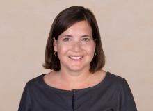 Andrea Widmer arbeitet in der Abteilung Fundraising und lebt mit ihrem Mann und den beiden Töchter, 5 und 8 Jahre alt, am Zürichsee.