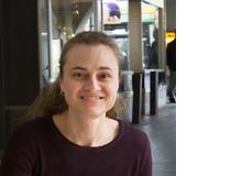 Johanna Oeschger ist Literatur- und Sprachwissenschaftlerin, unterrichtet Deutsch und Englisch auf der Sekundarstufe II und arbeitet als Mediendidaktikerin bei LerNetz.