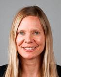 Sophie-Theres Guggenberger ist Journalistin. Während ihres Studiums und Promotions-stipendiums wohnte sie einige Jahre in Bern. Seit 2007 lebt und arbeitet sie gemeinsam mit ihrer Familie in Berlin.