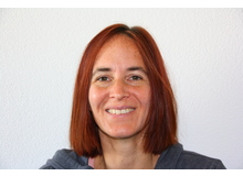 Christine Amrhein ist Psychologin und freie Wissenschaftsjournalistin und lebt in München. Schon im Studium interessierte sie sich besonders für das Thema Schlaf, und sie hat sich auch in ihrer Diplomarbeit mit den Themen Schlafstörungen und Schlafwahrnehmung befasst. Besonders interessant findet sie den Zusammenhang zwischen biologischem Rhythmus, psychischen Belastungen und Schlafstörungen bei Jugendlichen.