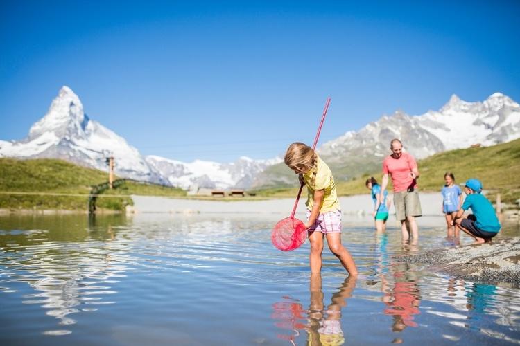 Der Leisee bietet Badespass und Picknickmöglichkeit inklusive Kinderspielplatz