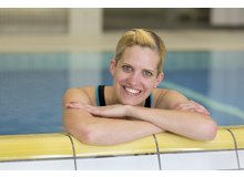 Nadja Winter ist Schwimmschulinhaberin und Kursleiterin in Glarus. Die Mutter von drei Kindern ist gelernte Pharma-Betriebsassistentin und hat in Zusammenarbeit mit swimsports.ch ein