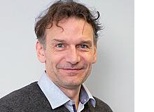 Früh fördern gegen Armut«Frühförderung verbessert nachhaltig die ökonomische Situation einer Nation», sagt Günther Fink. Er ist Professor für Epidemiologie und Haushalts-ökonomie an der Universität Basel.Dienstag, 7. Juli