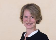 Evelin Hartmann ist stellvertretende Chefredaktorin. Ihre Töchter sind (fast) 3 und 6 Jahre alt.