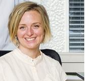 Bianca Fritz, Leiterin Online-Redaktion, liebt Facebookgruppen. Sie holt dort Rat zu Hundepflege, kauft und verkauft Gebrauchtes. Bei persönlichen Themen vertraut sie lieber auf Freunde und Familie.