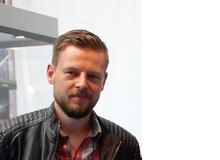 Stephan Petersen ist studierter Historiker und freier Journalist. Zu seinen Themen gehören unter anderem Videospiele und Familie. Er ist Vater zweier Kinder im Alter von sieben und elf Jahren.