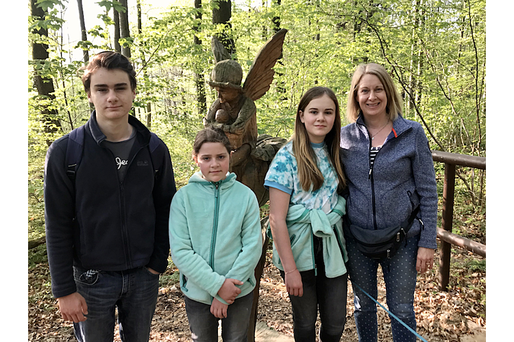 Die Dreifach-Mama lebt mit ihrem Mann und ihren drei Kindern in Therwil BL. Die Familie hat sich fest vorgenommen, Umweltschutz noch mehr in den Familienalltag zu integrieren.
