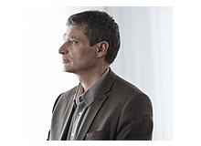 Guy Bodenmann ist ordentlicher Professor für Klinische Psychologie mit Schwerpunkt Kinder / Jugendliche und Paare / Familien an der Universität Zürich. Er ist Direktor der Praxisstelle für Paartherapie und der Praxis- stelle für Kinder- und Jugendpsychotherapie am Psychotherapeutischen Zentrum der Universität Zürich und Buchautor.