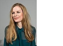 Julia Meyer-Hermann ist freie Journalistin und lebt in Hannover. Sie ist fasziniert davon, wie intensiv ihre Kinder, 12 und 6, sich auch bei Büchern oder Hörbüchern in die Emotionen der Figuren hineinversetzen und Situationen empathisch nachempfinden können.